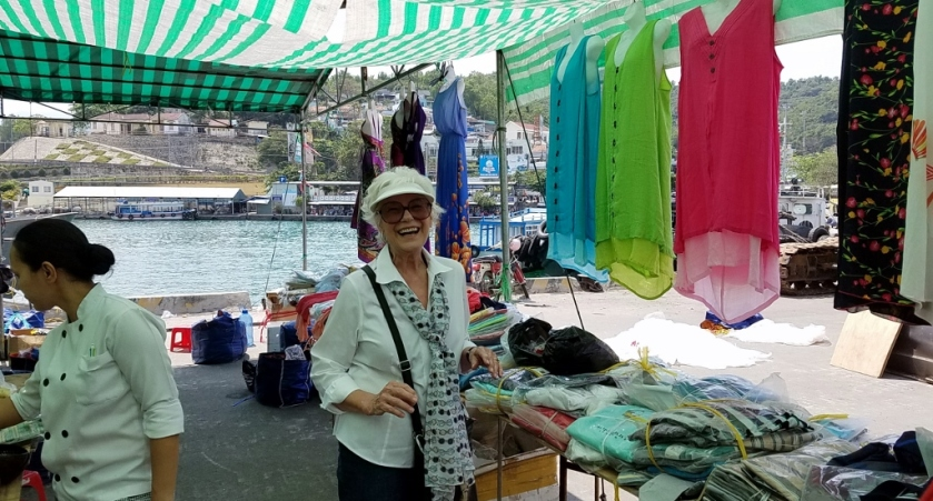 On the dock/shopping the market