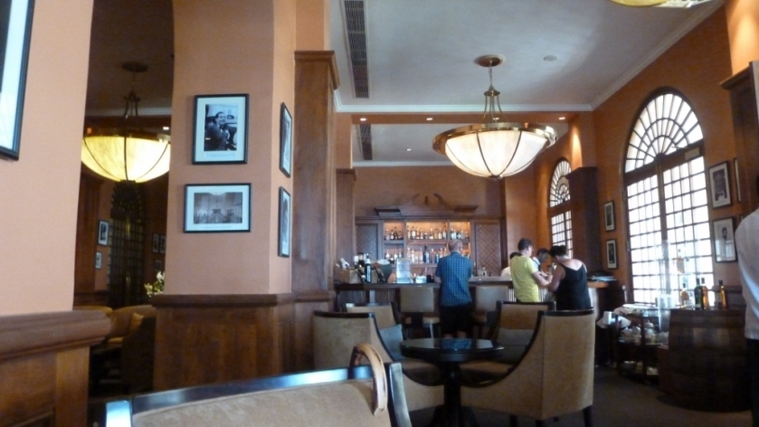 Traveler's bar at the Galle Face Hotel