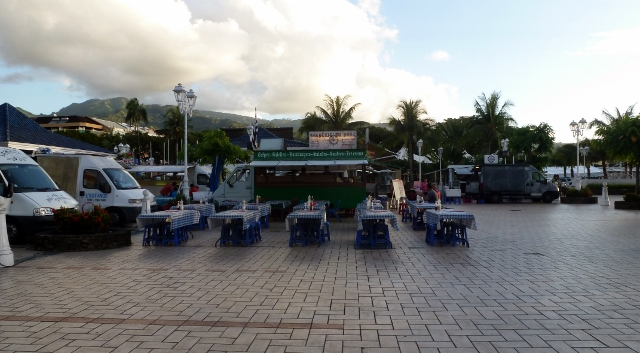 Food trucks line up on Saturday night!