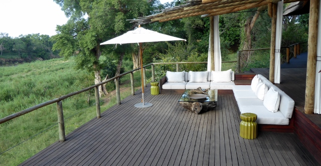 The Lion Sands Narina Lodge viewing lounge..
