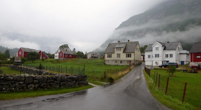 Another view of the town of Eidfjord.