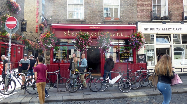 The Shack Restaurant is next door to the Temple Bar.