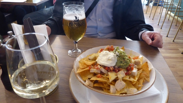 We had Chicken Nachoes, a beer and a wine.