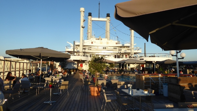 Breakfast on the Lido Restaurant deckside.