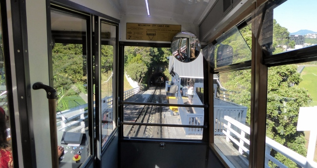 The Wellington Cable Car to Kelburn runs through two tunnels.