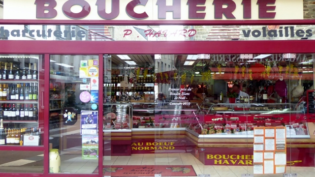 But we are looking for cheese!    We passed the boucherie.