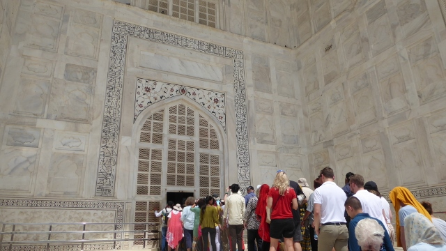 And now, we enter the Taj Mahal!