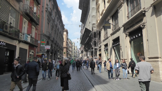 .....the boutiques along Via Toledo.....