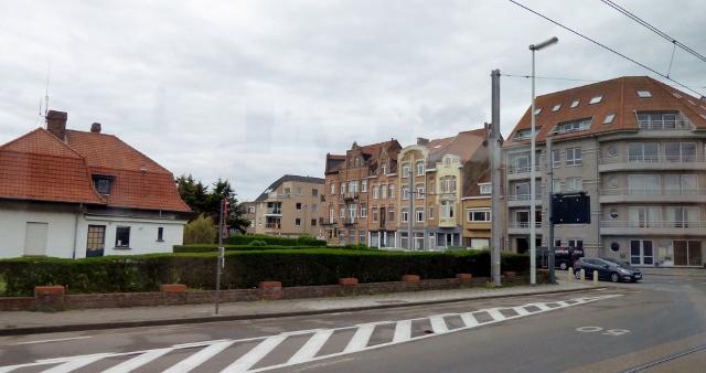 We had a minimal windshield tour of Zeebrugge as we drove to Blankenberge.