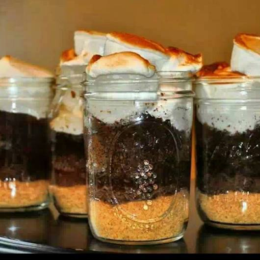 Ahhh, the S'Mores Baked Dessert Jar.  This looks so wonderfully ooey-gooey!!!