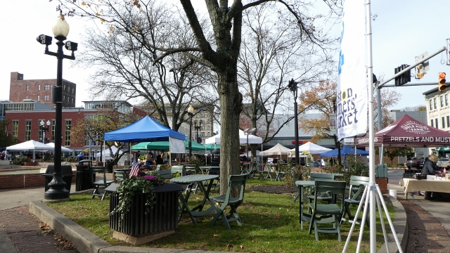 Vendors encircle the Center Square every Saturday.
