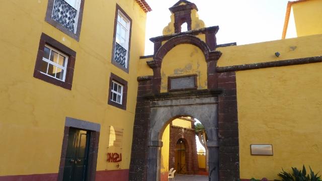 Fortaleza de Sao Tiago (Fort Santiago)