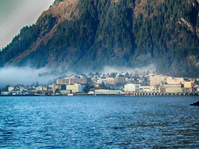 Waterfront, Juneau, Alaska    (gillfoto - Own work CC BY-SA 4.0)