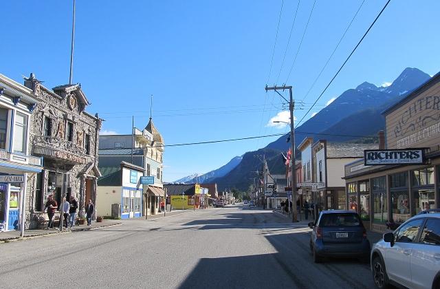 Broadway St.  Skagway, Alaska (Explorer1940 - Own work CC BY-SA 4.0)